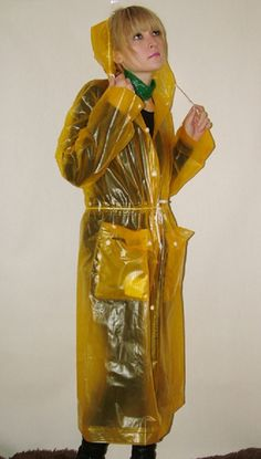 Plastic Raincoat, Pvc Raincoat, Yellow Raincoat, Imper Pvc, Plastic Mac, Rain Wear, Hoods, That Look, Princess Zelda