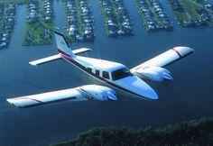 Piper PA 34 http://www.luftfahrzeug-vermittlung.de/leichtflugzeuge/reiseflugzeug-piper-pa-34-seneca.html