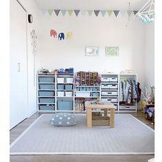 Overview/カラーボックス/モビール/クッション/ラグ/ガーランド...などのインテリア実例 - 2017-10-27 12:29:17 | RoomClip (ルームクリップ) Baby Room Decor, Bedroom Decor, Boys Bedroom Sets, Kids Locker, Ikea, Master Bedroom Makeover, Kids Decor, Home Decor, Little Girl Rooms