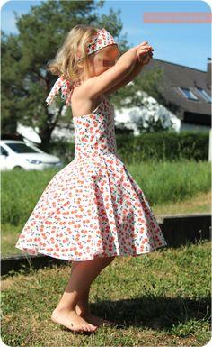 Free Sewing Pattern Petticoat dress by SCHNÄHwittchen - Kids Fashion Little Girl Dresses, Girls Dresses, Summer Dresses, Sewing Patterns Free, Free Sewing, Free Pattern, The Dress, Baby Dress, Diy Fashion