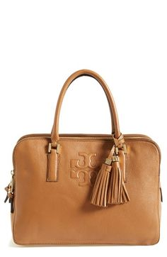 Gorgeous everyday tote by Tory Burch #ilovefall