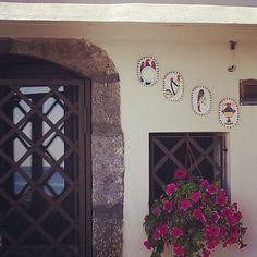 Santa Maria La Scala #Acireale #carte #assi #decorazioni in #ceramica - @claire_cocteau- #webstagram
