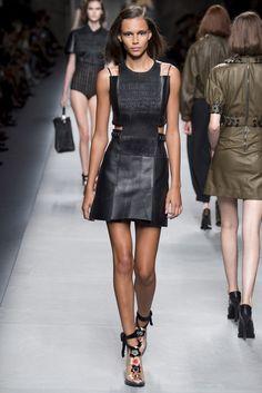Fendi . Milan Fashion Week . primavera verano 2016