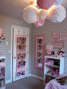 Is it weird that I'm almost 38 yr old and I totally want this room-look at that barbie storage. Barbie Storage, Barbie Organization, Kids Room Organization, Doll Storage, Shoe Storage, Storage Rack, Storage Ideas, Organizing, Girls Bedroom