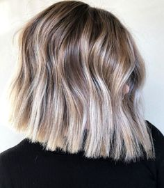 Blunt Haircut Medium, Blunt Bob Haircuts, Medium Hair Cuts, Long Hair Cuts, Medium Hair Styles, Natural Hair Styles, Short Hair Styles, Blunt Cut Hairstyles, Hairstyles Haircuts