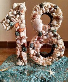 Numero 18 per un compleanno a tema mare #18 #birthday #compleanno #eighteen #tema #mare #marino #conchiglie #shell #stella #sea #confettata #festa #faidate