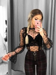 20 Outfits With Sheer Tops Sheer Shirt Outfits, Sheer Top Outfit, Mode Outfits, Stylish Outfits, Fashion Outfits, Fashion 2020, Everyday Outfits, Ideias Fashion, Fashion Looks