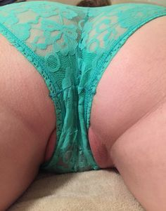 "pussyshotfrombehind: "" Guess what happened to my cock when my babe was waiting on me like this…. """