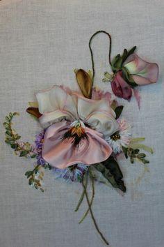 Amazing embroidery by Tatyana Samotoshina