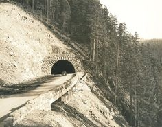 From Oregon State Archives the Salt Creek Tunnel on Oregon 58 around 1940.