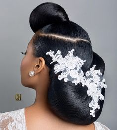 Charis Hair Bridal Hair Stylist for Black and Mixed Race Brides London ~ My Afro Caribbean Wedding Charis Hair Black Bridal Hair Stylist London ~ My Afro Caribbean Wedding My Hairstyle, Afro Hairstyles, Hairstyles With Bangs, Fringe Hairstyles, Beehive Hairstyle, Hairstyle Ideas, Asymmetrical Hairstyles, Trendy Hairstyles, Ladies Hairstyles