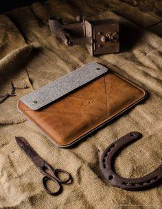 Leather MacBook/iPad Case | Classic Orange