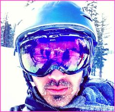Joe Jonas And Nick Jonas Go Snowboarding January 27, 2013
