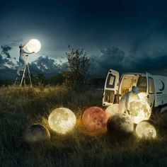 Photographer and Photoshop master Erik Johansson decided to present a behind-the-scenes look at how he produced one of his classics, Full Moon Service. Surrealism Photography, Conceptual Photography, Art Photography, Photography Tricks, Artistic Photography, Travel Photography, Surreal Photos, Surreal Art, Image Ciel
