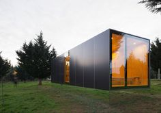 Collection of the Best Modern Prefab Homes and Modular Homes. Featured Examples of Prefabricated Constructions and Modular Building Technology. Architecture Design, Container Architecture, Minimalist Architecture, Residential Architecture, Light Architecture, Architecture Definition, Gothic Architecture, Prefab Modular Homes, Prefabricated Houses