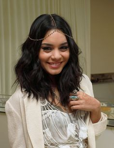 vanessa hudgens super cute short hair