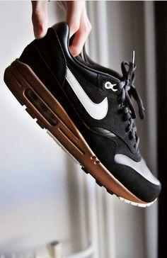 Nike shoes Nike roshe Nike Air Max Nike free run Nike USD. Nike Nike Nike love love love~~~want want want! Air Max Sneakers, Sneakers Mode, Nike Sneakers, Sneakers Fashion, Sneakers Style, Black Sneakers, Gucci Sneakers, Nike Shoes Cheap, Nike Free Shoes