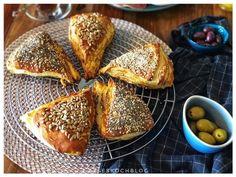 Fluffige Laugenecken French Toast, Breakfast, Burger, Jamie Oliver, Feta, Dips, Pizza, Dessert, Snacks