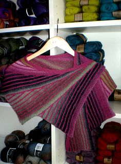 Wingspan Shawl with DROPS Delight and DROPS Alpaca