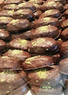 747885_1342464609269656_5951042076144566272_n Cookbook Recipes, Dessert Recipes, Cooking Recipes, Greek Beauty, Sweet Desserts, Food And Drink, Sweets, Cookies, Chocolate
