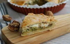 Torta salata con zucchine, stracchino e noci, una torta salata vegetariana e saporita con un ripieno sfizioso.