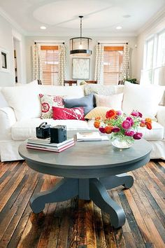Genius Coffee Table Ideas to Copy (31)