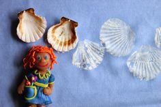 Shells on fabric.  Muszle odciskane na tkaninie, farby Textile Art Nerchau