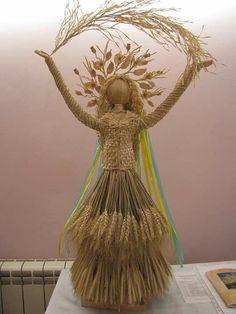 Осенний декор сада, дачного участка. Обсуждение на LiveInternet - Российский Сервис Онлайн-Дневников Yarn Dolls, Fabric Dolls, Straw Weaving, Basket Weaving, Diy And Crafts, Arts And Crafts, Paper Crafts, Yule Goat, Corn Husk Crafts