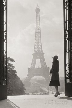 Paris - Posters av Hugo Wild på AllPosters.se