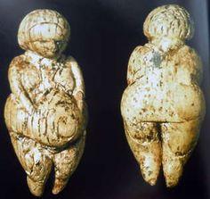 Venus figures from the Kostenki - Borshevo region on the Don River Fertility Symbols, Paleolithic Era, Ancient Goddesses, The Ancient One, Mother Goddess, Divine Feminine, Religious Art, Oeuvre D'art, Archaeology