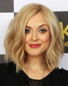 Long bob haircuts are also now trendy. People who fear cutting their hair too short can surely opt for these long bob haircuts. Hair Styles 2014, Medium Hair Styles, Short Hair Styles, Bob Styles, Layered Bob Haircuts, Wavy Bob Hairstyles, Medium Haircuts, Trendy Hairstyles, Celebrity Hairstyles