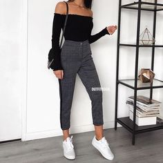 Autumn outfits Trendy outfits ideas for Winter style outfits Women Fashion Winter Outfits Fall Style Fashion Outfits Mode Outfits, Trendy Outfits, 6th Form Outfits, Outfits With Short Hair, Urban Outfits, Classy Outfits, Chic Outfits, Fall Winter Outfits, Spring Outfits