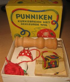 Knitting spool for making yard snakes