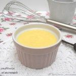 Microwave custard, delicious and very fast!- Crema pasticcera al microonde, deliziosa e velocissima! Microwave custard, delicious and very fast! Caramel Pudding, Micro Onde, Microwave Recipes, Cheesecake Desserts, Creme Brulee, Pudding Recipes, Custard, Finger Foods, Sweet Recipes