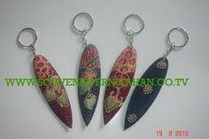 souvenir gantungan kunci dengan motif batik khas jogjakarta #souvenir #gantungankunci