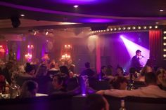 I feel more and more that I would like to have my wedding in some jazz/cabaret club. Cabaret Musical, Cabaret Theater, 1920s Bar, Burlesque Outfit, Nightclub Design, Princess Charming, Piano Bar, London Free, Jazz Club