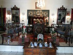 Prince Joyokusumo's house, once of Royal family's Ngayogyakarto Hadiningrat, n this is his living room