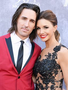 Jake Owen Talks About Divorce During Concert: 'I Love My Wife More Than Anything' http://www.people.com/article/jake-owen-split-divorce-love-my-wife-more-than-anything-concert