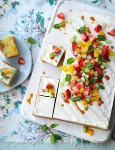 Pimm's cup traybake - your favourite summer drink, made into your favourite summer bake!
