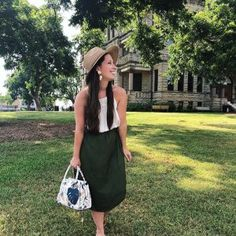 Taking a little Sunday stroll on the square. There are few things i love more than summer mornings. 💗.My outfit is from @loft. Y'all i wear this skirt. ALL. the. time. So good! .Bag,shoes, earrings: Target Style .Hat: @shopgrassstains ...#sundaybest #sundaymorning #loveloft #loftstyle #petitestyle #petitefashion #petitefashionblogger #momstyle #stylishmom #momblogger #summerstyle #summeroutfit #summermornings #targetaddict #targetstyle #targetdoesitagain #dentontx #dallasblogger