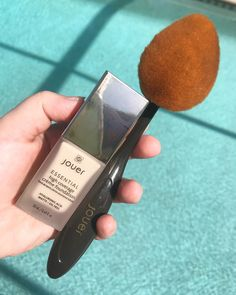 Jouer Cosmetics Essential High Coverage Crème Foundation and Brush REVIEW