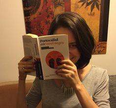 Citesc cartea lunii martie. :D  Despre carte: http://blog.serialreaders.com/2015/03/cartea-lunii-martie-portocaliul-este-noul-negru/