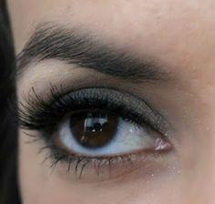 I want fake eyelashes like this for festival!!