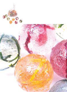 """""""SWEETBILLES SIAL 2006 Sucettes billes incrustées de légumes séchés. Goûts carotte/muscade, betterave/gros sel, harricot/chili."""" http://www.juliehhh.com/index.php?/produit/sweetbilles/"""