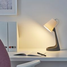IKEA - SVALLET Work lamp dark gray, white This contemporary lamp design has the similarity with Marianne Brandt Night table lamp from Modernism era Clear Light Bulbs, Light Up, Catalogue Ikea, Work Lamp, Bureau Design, Led Lampe, Designer, Wall Lights, Decoration