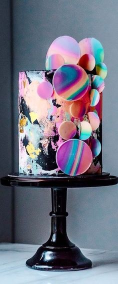 Unique Wedding Cake Designs: The Chicest and Most Modern Ideas - Luxury chocolate and raspberry cake with rainbow colored abstract circles against black. Can you be more trendy than this? By Historias del Ciervo, Colombia. Crazy Cakes, Crazy Wedding Cakes, Unique Wedding Cakes, Unique Cakes, Wedding Cake Designs, Fancy Cakes, Fancy Birthday Cakes, Cool Cake Designs, Pink Cakes