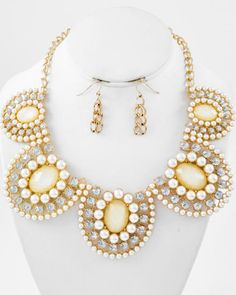 Gold Tone / Cream Synthetic Pearl / Ivory & Clear Acrylic / Lead Compliant / Graduating / Necklace & Fish Hook Earring Set