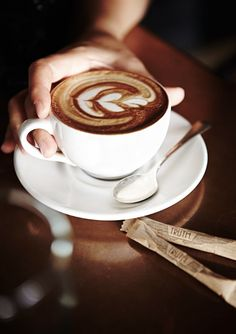 9 Resourceful Hacks: Coffee Latte Art coffee machine built in.Coffee Photography Heavens coffee date conversation. Best Kona Coffee, I Love Coffee, Black Coffee, Coffee Girl, Latte Art, Tea Latte, Coffee Cafe, Coffee Drinks, Iced Coffee