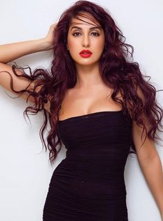 Nora Fatehi is a popular dancer in the Indian film industry. Nora Fatehi is a Canadian Model. Nora is popular in Bollywood because of her works in item songs. Indian Bollywood Actress, Bollywood Girls, Beautiful Bollywood Actress, Bollywood Celebrities, Beautiful Indian Actress, Beautiful Actresses, Famous Celebrities, Hot Actresses, Indian Actresses