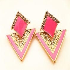 새로운 도착 럭셔리 삼각형 크리스탈 스터드 귀걸이 빈티지 패션 골드 도금 귀걸이 여름 보석 pendientes mujer